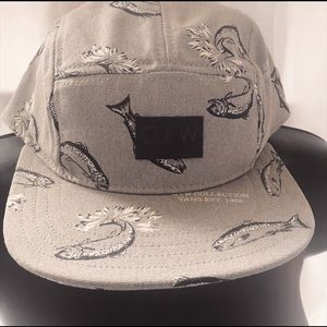 NWOT VANS OFF THE WALL COLLECTION 5 PANEL BASS HAT